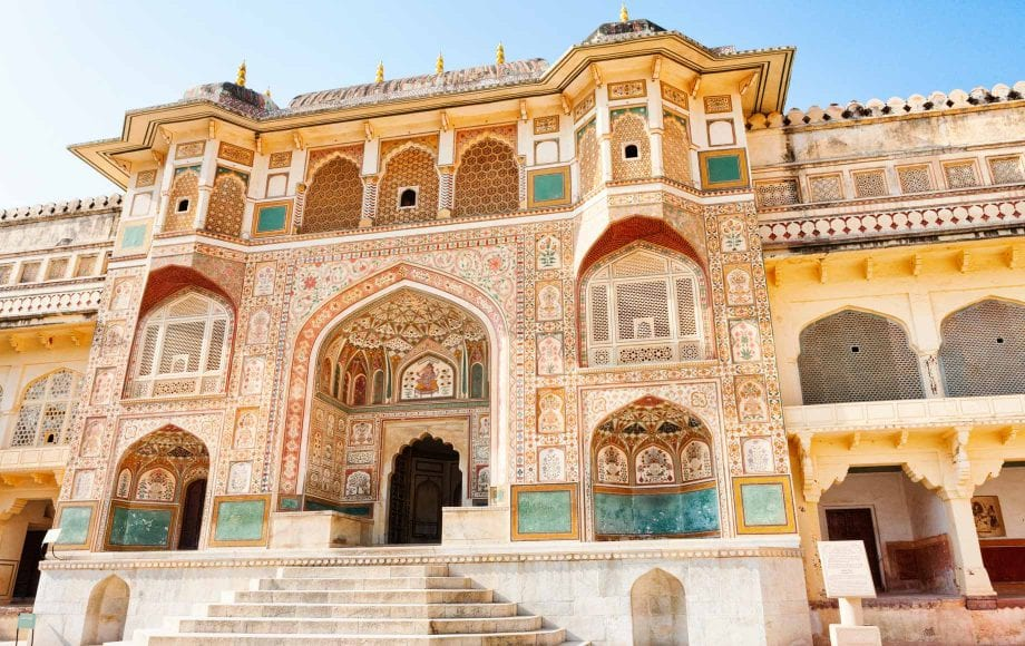 Amazing palace with traditional designs in Jaipur