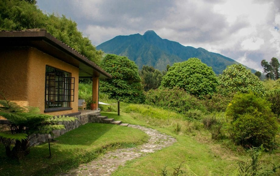 House and nature views at Parc-National Des Volcans