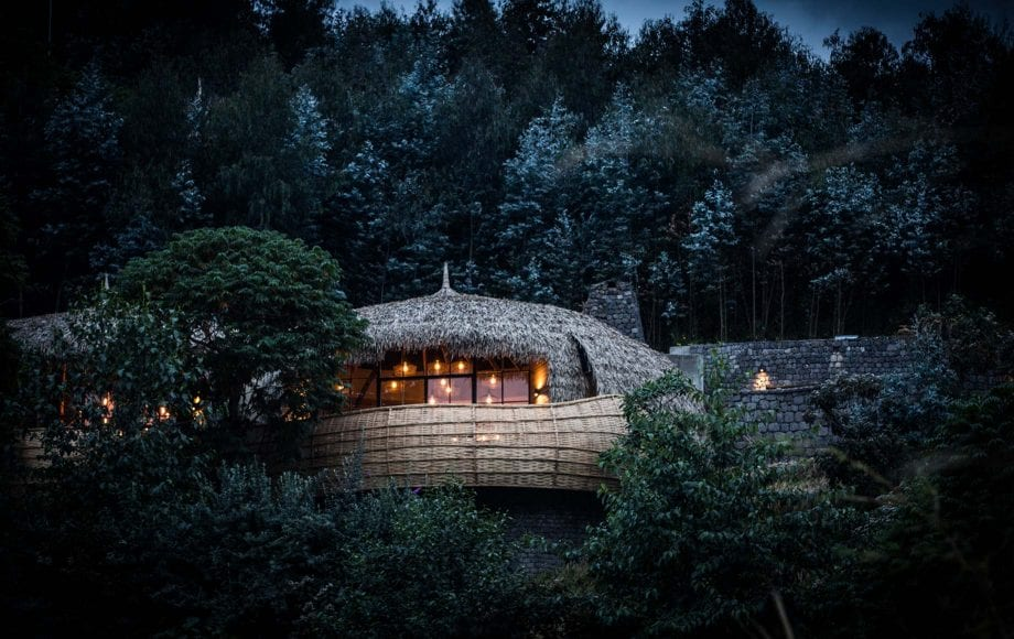 Hotel room among nature and trees in Bisate Lodge